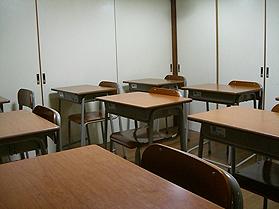 集団クラスの教室風景です。(教室の入り口からの風景です。)